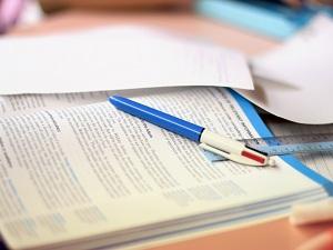 1275249_study_table